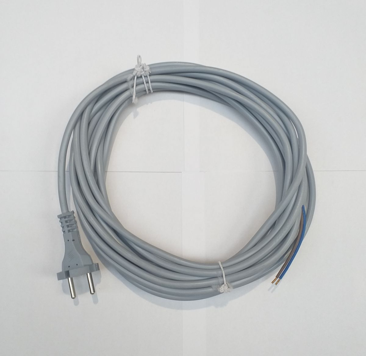 kabel 2 x 1,0 šedý 7,5m